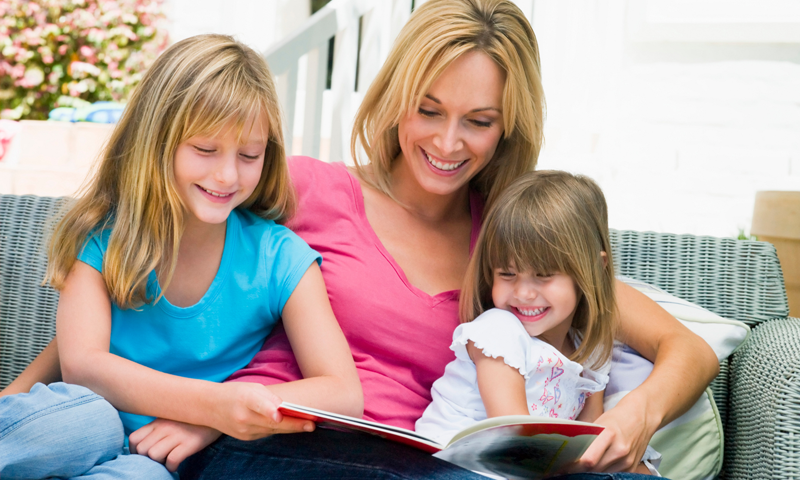 reading-with-mom